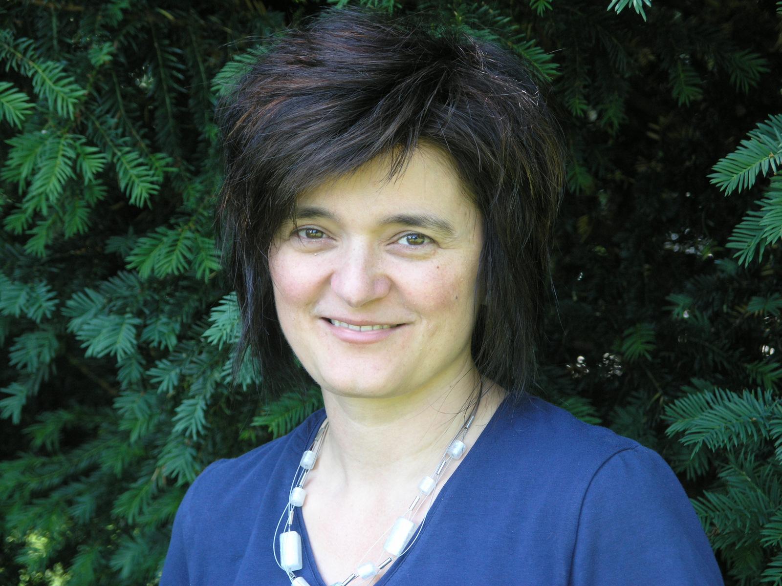 Monika Heim Klement (1968) …wohnt in Flawil und unterrichtete viele Jahre in der Gemeinde Oberuzwil, die letzten vier Jahre in der kleinen Aussenschule ... - Heim1-Foto