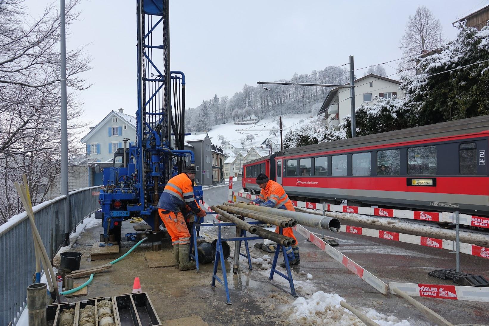 Hangbrücke: Es wird gebohrt | Tüüfner Poscht – die Dorfzeitung von ...